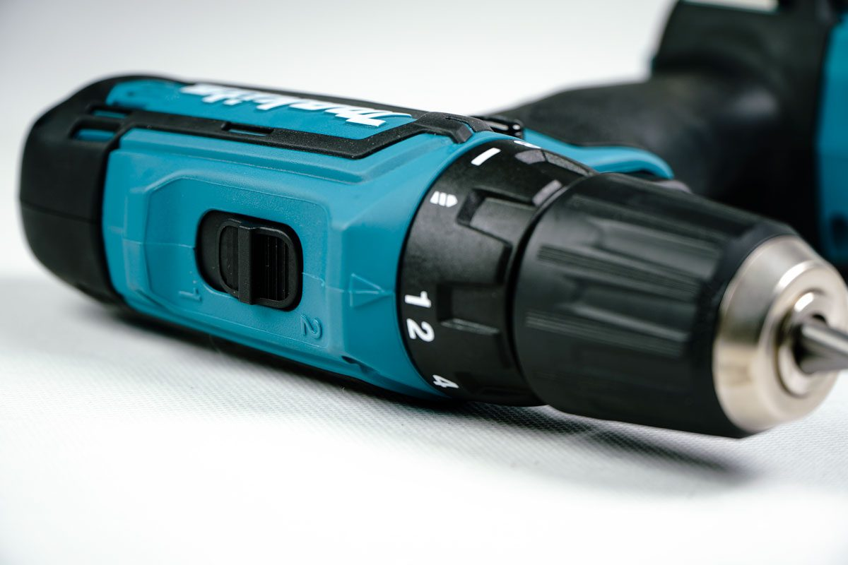 Bộ sản phẩm máy đa năng và máy khoan vặn vít pin 12V Makita CLX206SX1