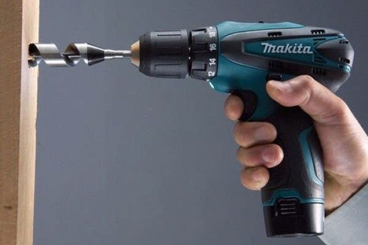 Máy khoan vặn vít pin 10.8V Makita DF330DWE