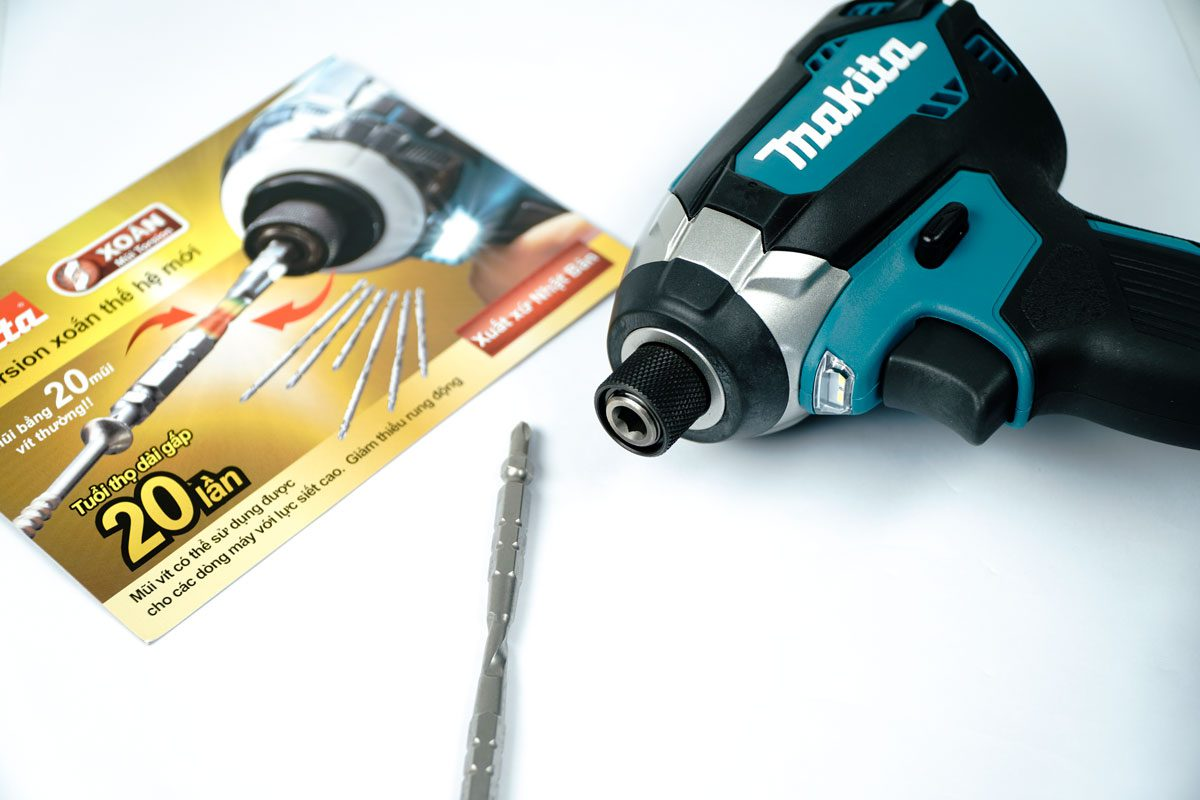 Thân máy vặn vít pin 18V Makita DTD153Z